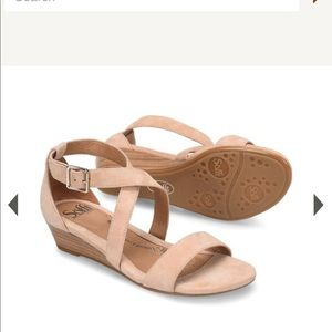 Soft Innis Suede Leather Sandal